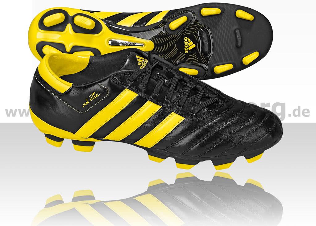 Philipp Lahm mit neuen Adidas adipure 3 WM Edition ...