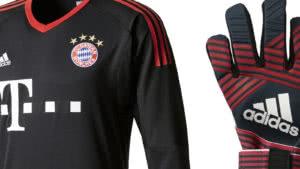 Manuel Neuer Torwarthandschuhe 2017/2018 und Torwart Trikot des FC Bayern