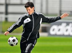 Den Adidas Condivo 12 Polyesteranzug als Teamsport Trainingsanzug bestellen