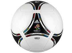 Der Adidas Tango 12 EM 2012 Top Replqiue Ball der Euro 2012