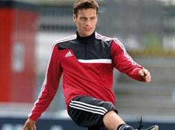Das Adidas Tiro 13 Training Top der Teamsport Linie bestellen