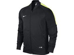 Nike Squad 15 Polyesterjacke als Sportjacke und Trainingsjacke kaufen. Nike Poly Jacket