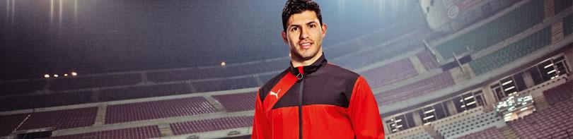 Jetzt im Shop die Puma Esquadra Sportbekleidung für dich oder deinen Verein bestellen.