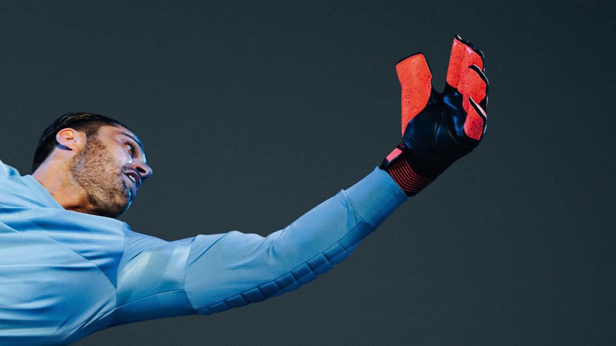 6 Dinge die du nicht mit Torwarthandschuhen machen solltest.