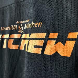 Das Fitcrew Logo der Bundeswehr Universität München auf den Trikots