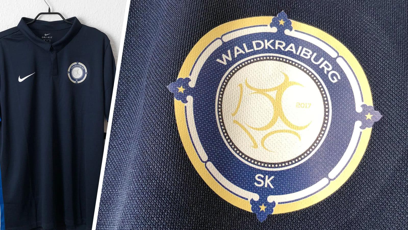 Die Nike Poloshirts mit Bedruckung des SK Waldkraiburg