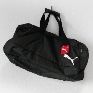 die Puma Sporttasche mit seitlichem Fach