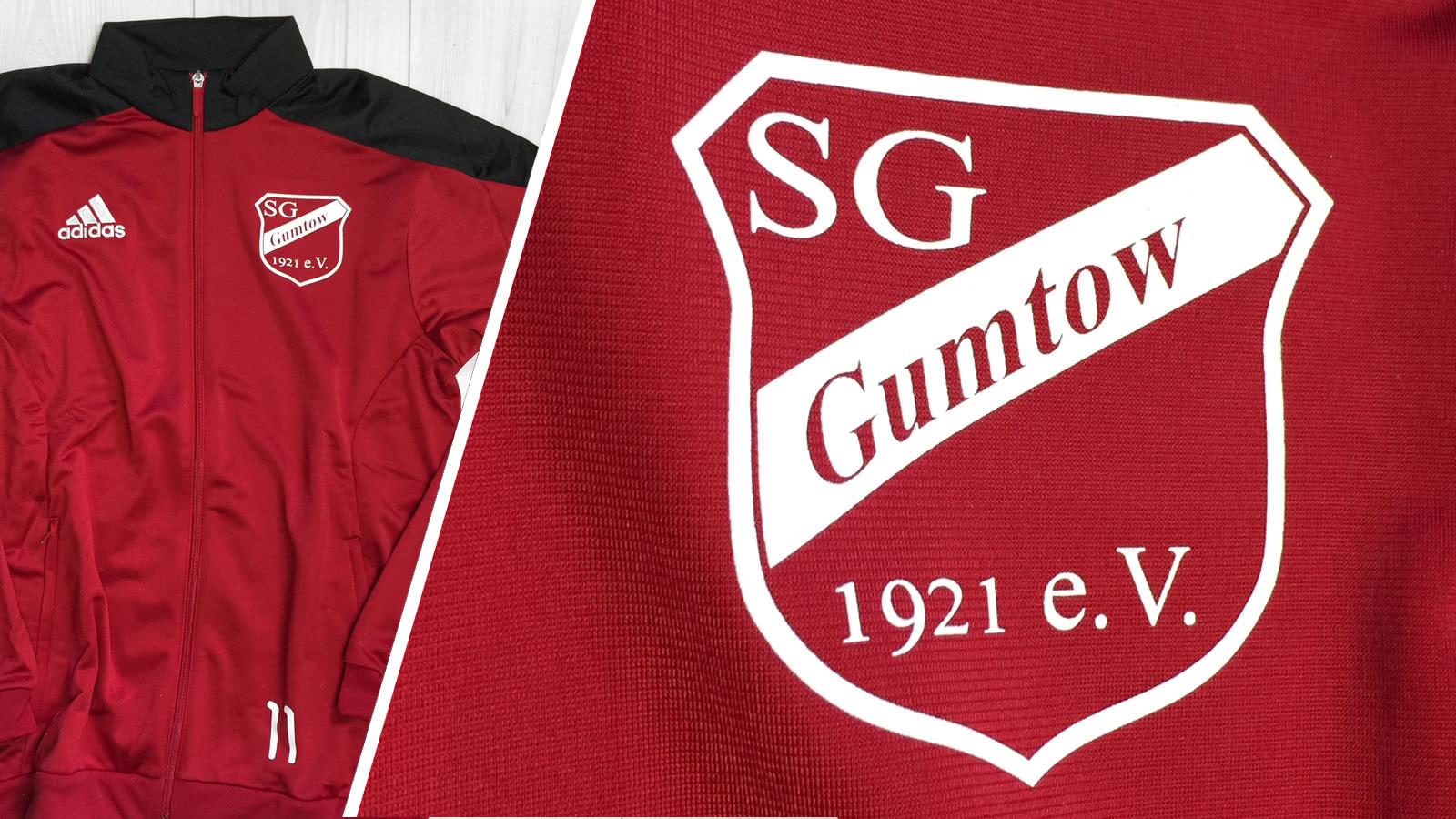 Der Trainingsanzug mit Bedruckung der SG Gumtow als Beispiel