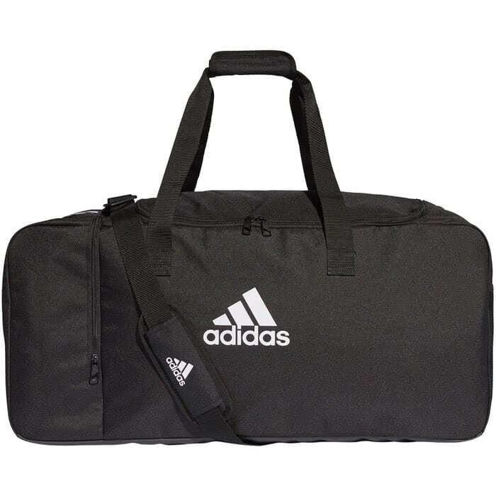 Die adidas Schiedsrichter Tasche ist auch eine normale Sporttasche