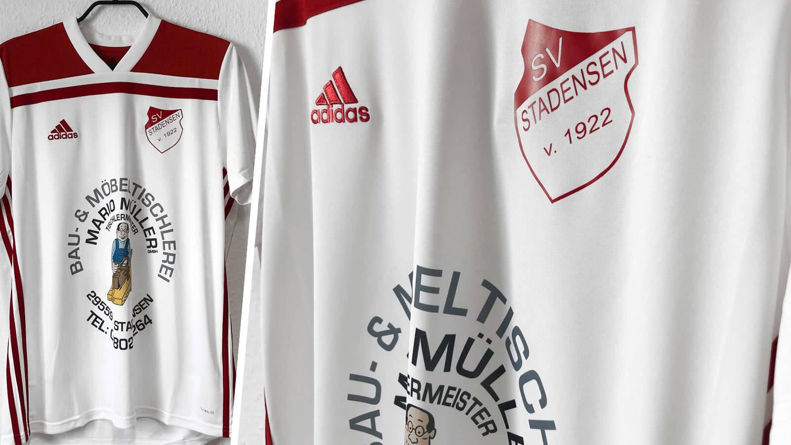 adidas Trikotsatz mit farbigem Logo als Beispiel und Referenz