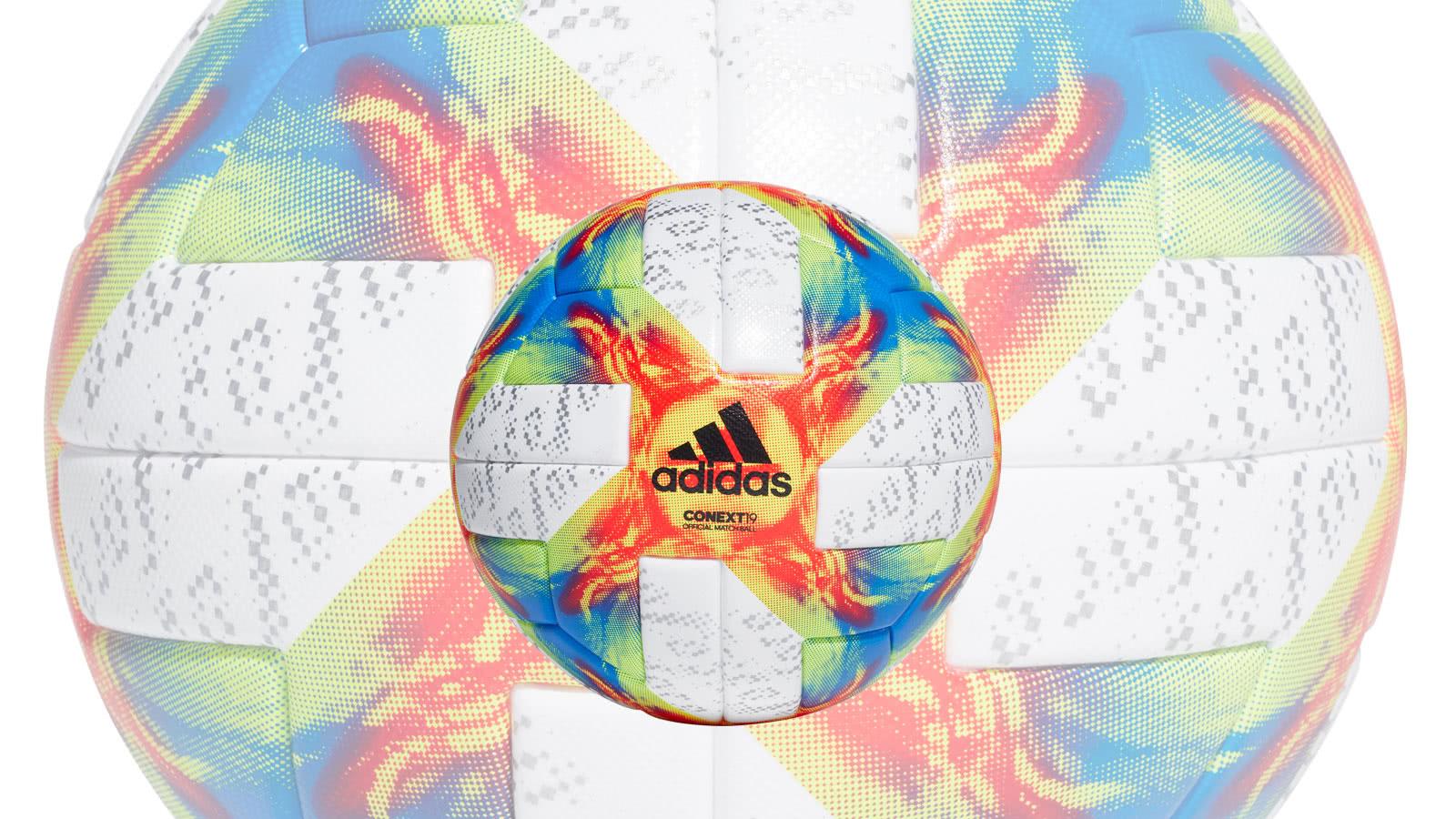 Der adidas Conext 19 Match Ball