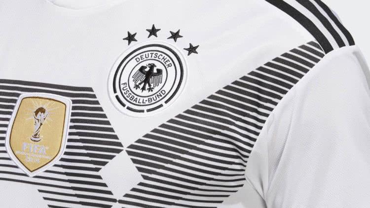 Das Original Deutschland Trikot von adidas erkennen