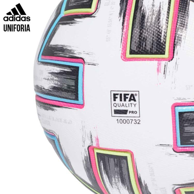 Der adidas Uniforia EM Ball für 2020