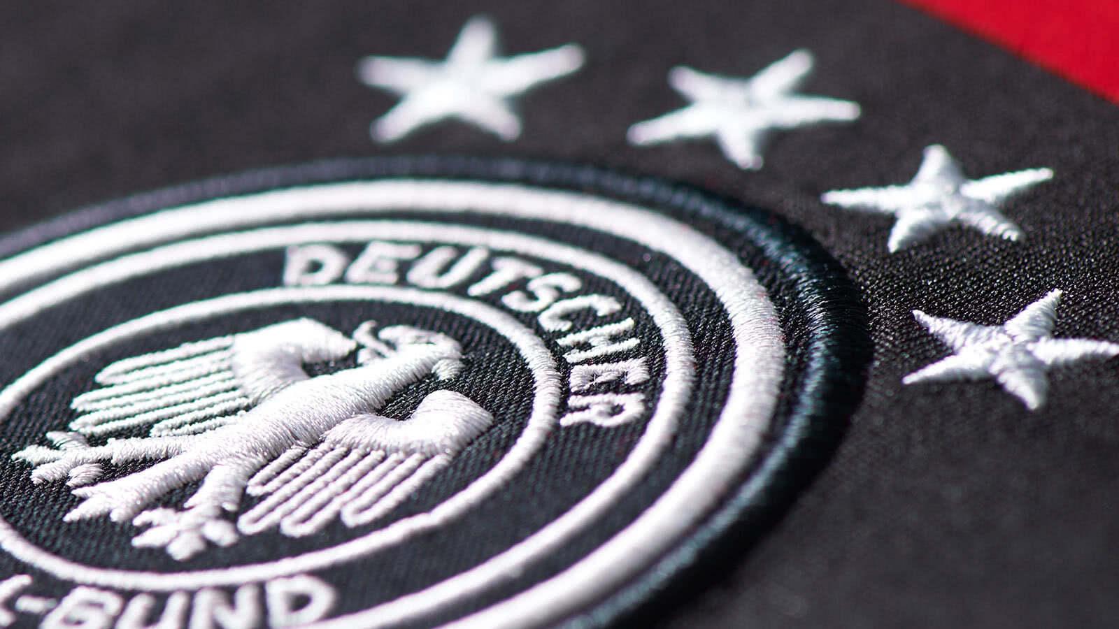 wann kommt das neue deutschland trikot f r die em 2016 sportartikel und fussballschuhe news. Black Bedroom Furniture Sets. Home Design Ideas