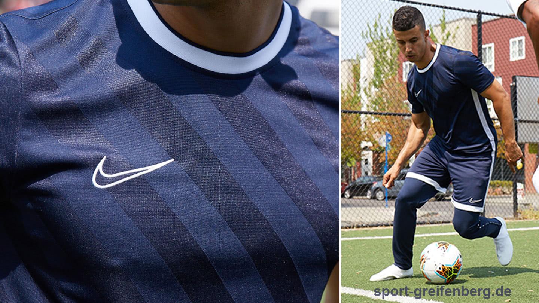 Der Nike Swoosh der Nike Academy 19 Sportbekleidung
