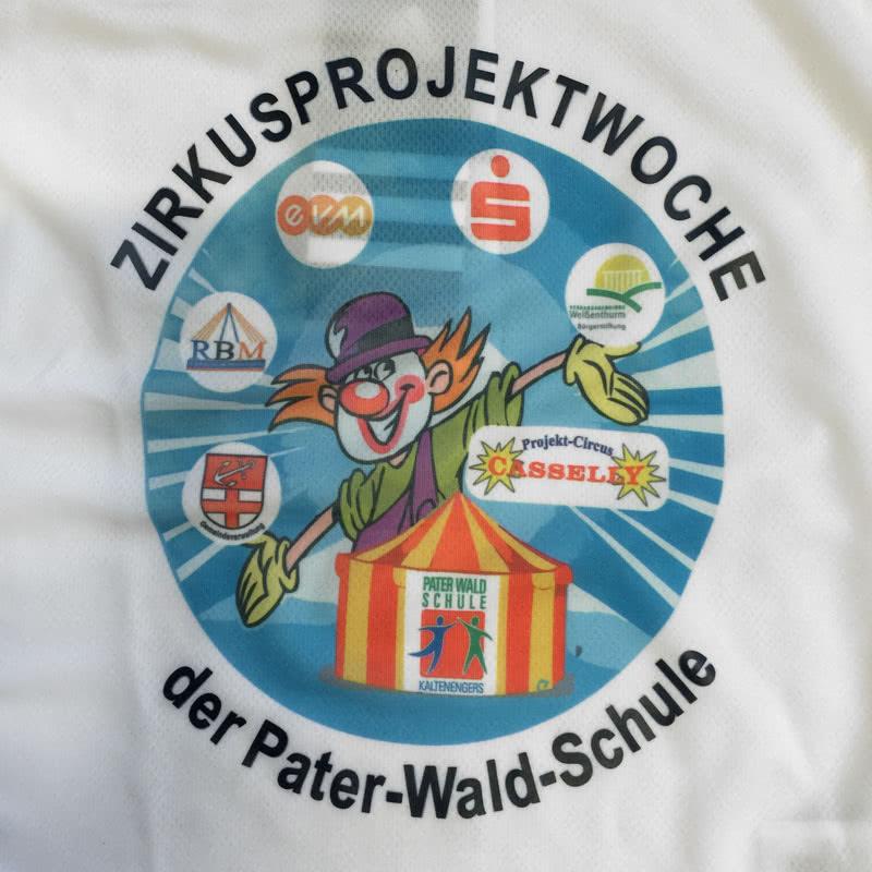 Schüler Trikots mit Farb Logo Sublimationsdruck Beispieil