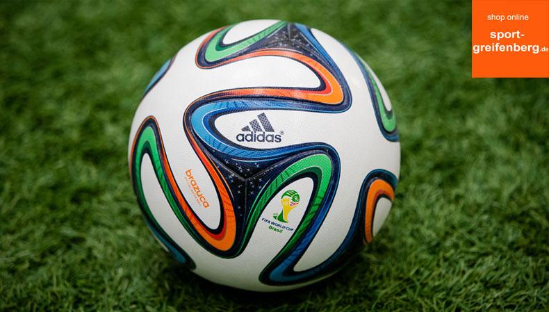 Der Adidas Brazuca Ball OMB als Spielball der WM 2014 in Brasilien
