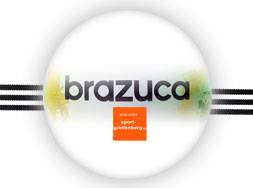 Adidas Brazua Glieder WM 2014 Ball im blauen Look.