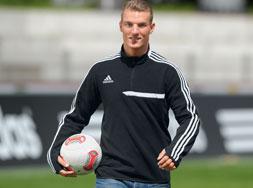 Adidas Tiro 13 Fleece Top als moderne Sportbekleidung